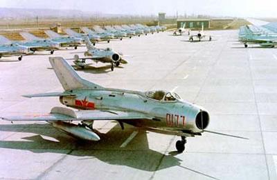 胖子和小男孩 ●战斗机名称的变化 ●隐形飞机 ●军用飞机发展前景